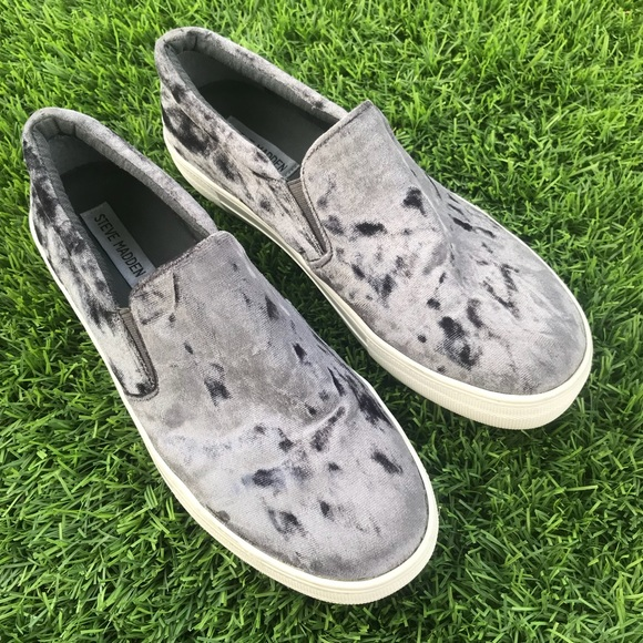 4d0627814f9 Steve Madden Gema Slip On Sneakers 